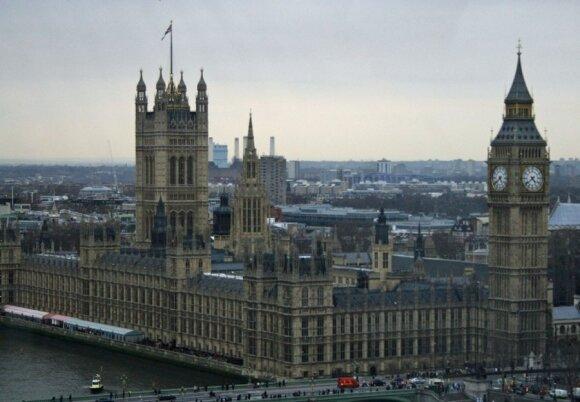 Rusijos oligarchams Britanijoje darosi neramu: valdžia taikosi į skaudžiausią vietą