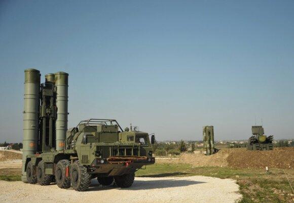 """Dėl Baltijos šalių gynybos pasikvietė NATO """"žvaigždžių komandą"""": ką ši pasiūlė?"""