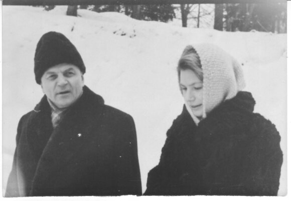 Juozas Baltušis su dukterimi Rita 1961 m.
