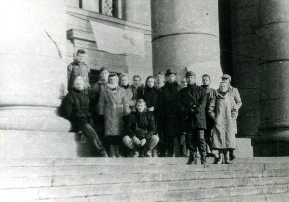 Jonas Vaičenonis su kolegomis istorikais