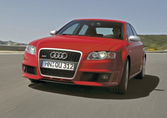 Audi RS4 (2006 m.)