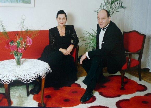 Eugenijus Vasilevskis ir koncertmeisterė Žaneta Noreikienė.