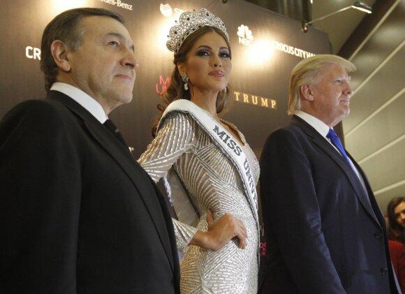 Donaldas Trumpas ir Aras Agalarovas (kairėje)