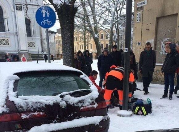 Kauno centre, prie ligoninės, mirė vyras: liudininkė negalėjo patikėti personalo abejingumu