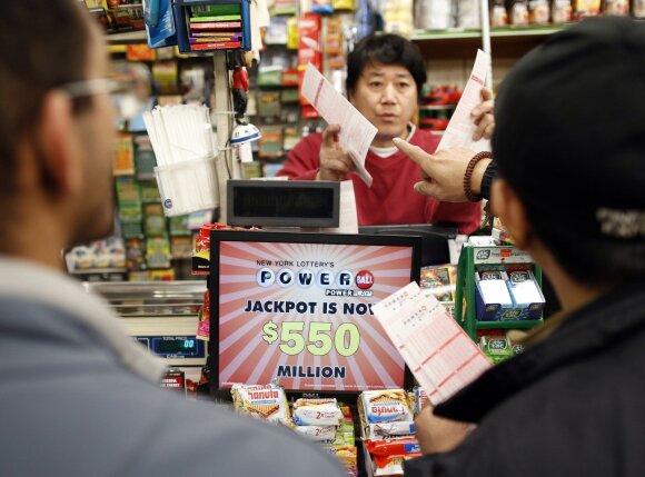 Dėl loterijų iš proto kraustosi visas pasaulis: praturtėti trokšta ir taip turtingi