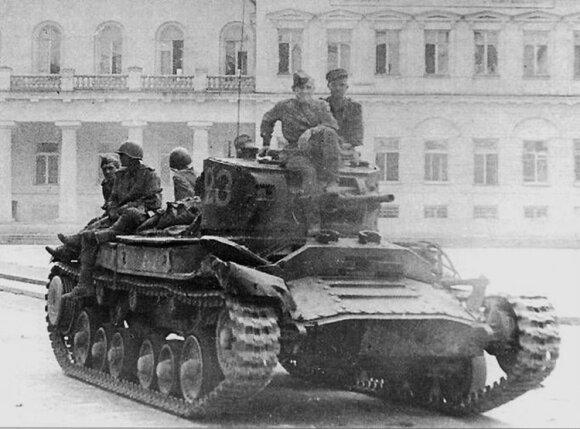 Nuo priešų iki sąjungininkų: Staliną norėjo bausti bombomis, o tada kartu pasidalijo nafta turtingą šalį