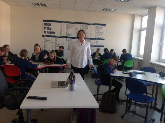 Fizikos mokytoja ekspertė Virginija Birėnienė