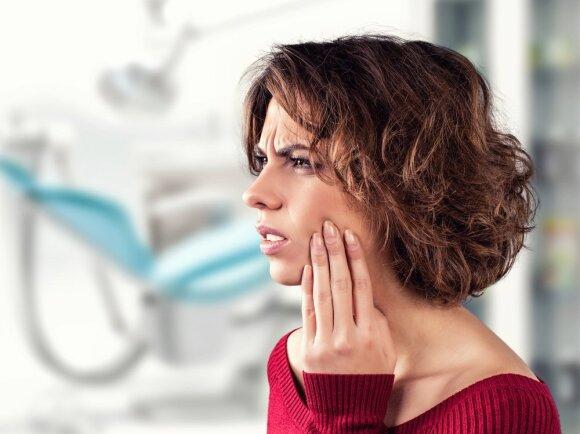 Medikai ilgai nenustatė, kad danties skausmas buvo vėžio simptomas