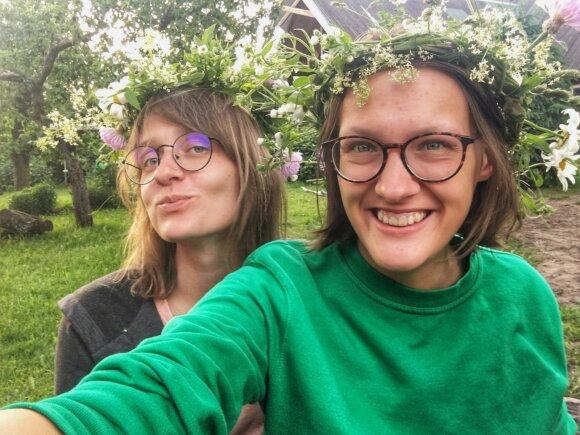 """""""Brikės"""" šampūno gamintojos – sesės Viltarė Platzner ir Liepa Jasinskytės"""