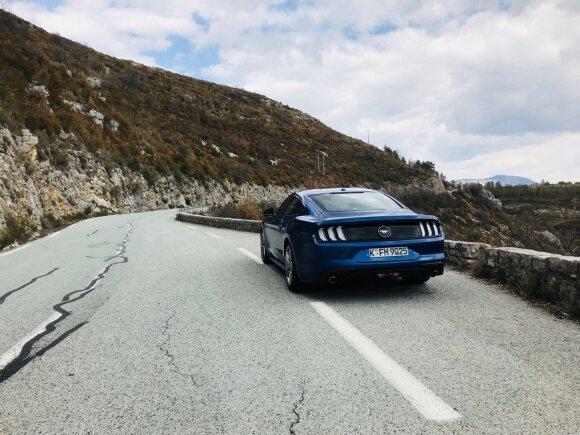 """""""Mustangą"""" išbandėme Prancūzijos kalnų vingiuose"""