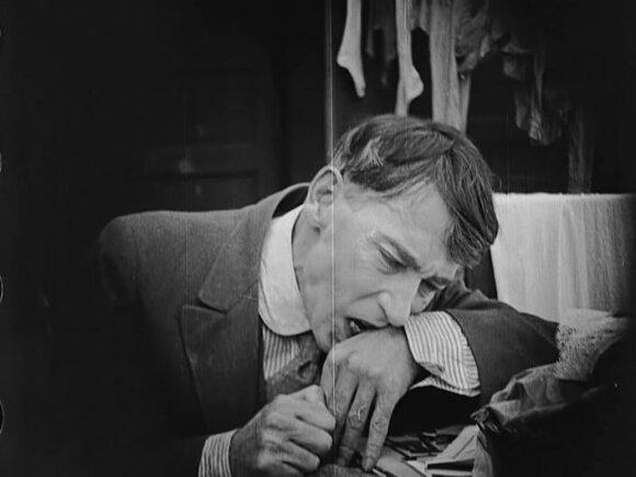 "Kadras iš filmo ""Velnio adata"" (1916)"