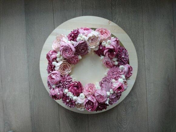 Astos Abraitytės kuriami tortai