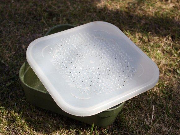 Tinkamiausio tipo dėžutė skirta laikyti gyvus masalus