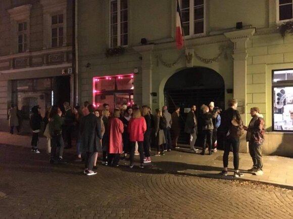 "Paskutinis vakarėlis bare ""Cafe de Paris"""