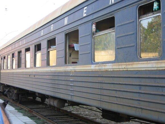 Lietuvių kelionės per Kaukazą ypatumai: traukiniai išdaužtais langais, armėnų išpuoliai ir girti palydovai