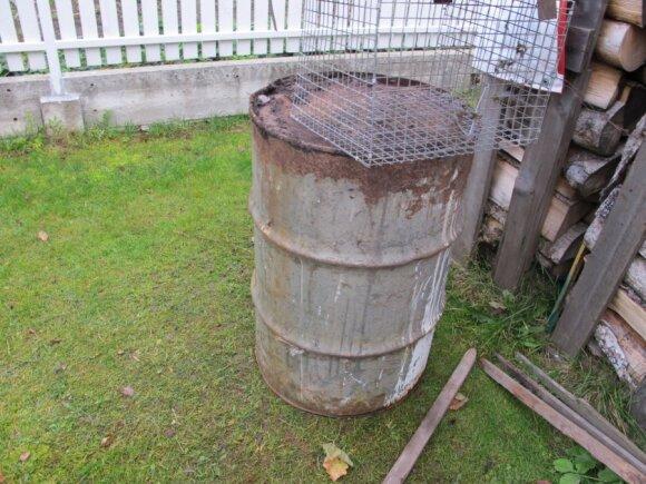 Išradingi lietuviai kompostuoja tiesiog tokiose talpose