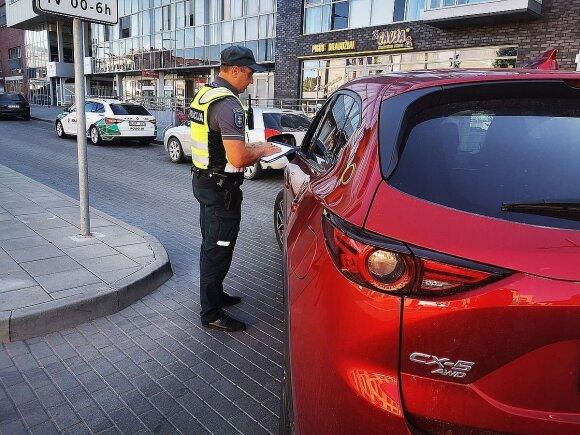 """Kelių """"erelių"""" siautėjimas nustebino policininkus: nepraėjus nė valandai BMW """"nusifotografavo"""" du kartus"""