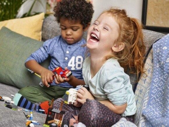 Kodėl juokas toks svarbus vaiko raidai ir lavinimui