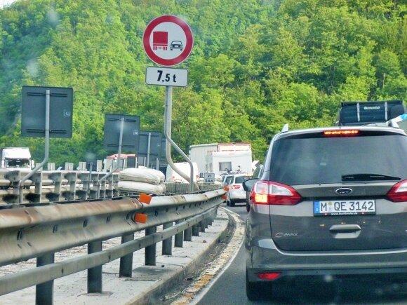 """Kur sunkiau vairuoti – """"Regitros"""" egzamine ar Europos pietuose?"""