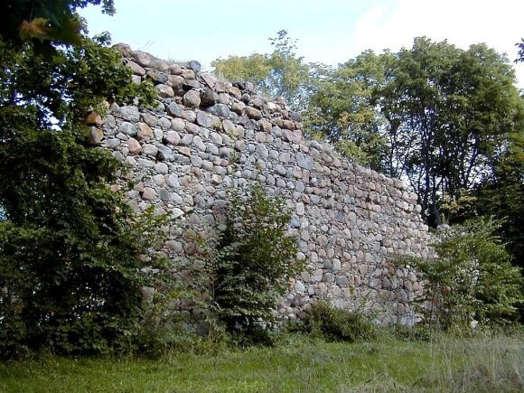 The ruins of Durbe castle