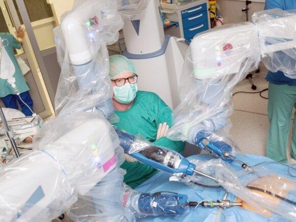 Robotinė pilvo operacija