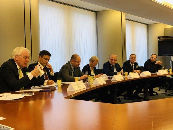 Briuselyje kuria naują draugų su Rusija forumą: po Macrono kalbų iniciatyvos ėmėsi lietuviai