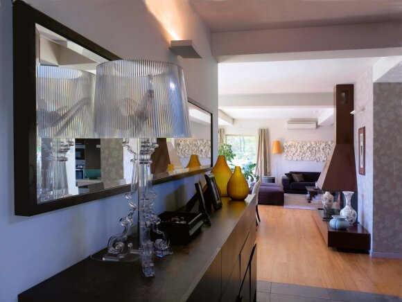 Metalinis svetainės židinys yra labiau dekoro elementas, pagal paskirtį jis naudojamas retai