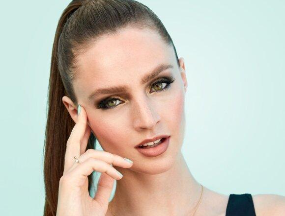 Atkreipkite į save dėmesį: geriausi padūmavusio akių makiažo atspalviai kiekvienai akių spalvai