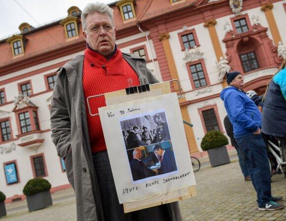 Vokietijoje verdanti politinė drama siunčia nejaukius signalus: skubiai įsikišo ir Merkel