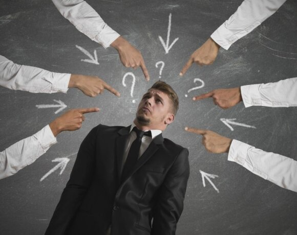 Patyčios darbe: kokie žmonės kenčia dažniausiai ir, kaip elgtis, jeigu jas patiriate
