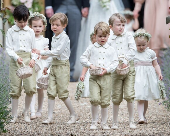 Karališkosios šeimos mažyliai spindėjo P. Middleton vestuvėse