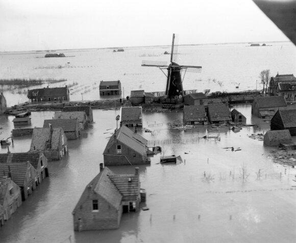Potvynis Nyderlanduose 1953 metais, kuomet audra pralaužė pylimus