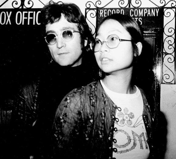 John Lennon ir May Pang