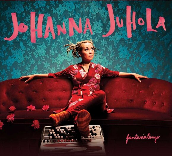 Johanna Juhola, Suomija