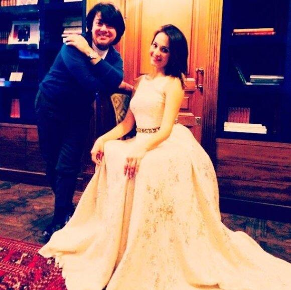 Басков с невестой выбрали свадебное платье