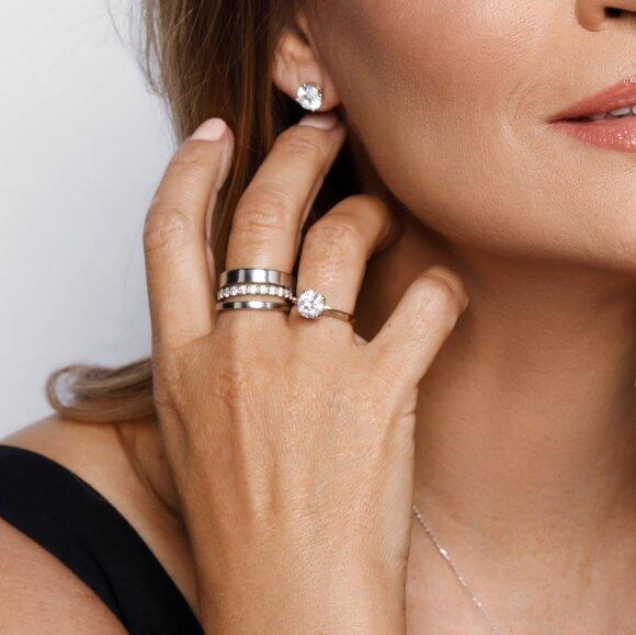 """Deimantinė juostelė, auskarai """"Klasika"""" ir klasikinis žiedas su deimantu"""