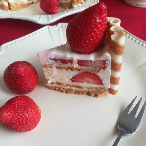 Tortas-braškė