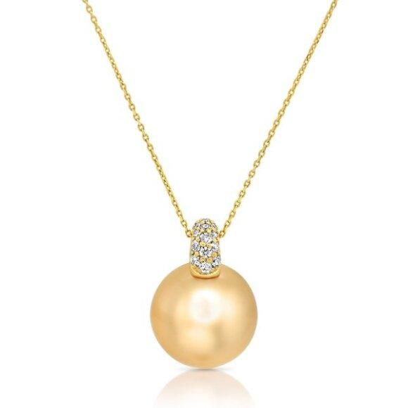 Pakabuka su auksiniu Pietų jūros perlu ir deimantais