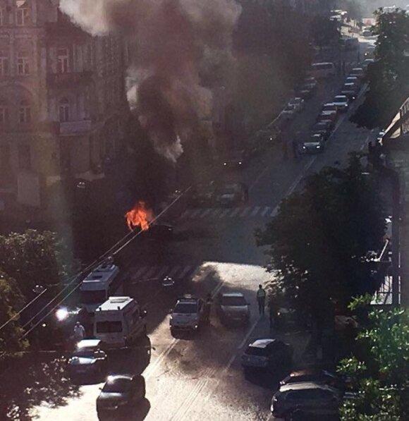 В Киеве при взрыве машины погиб журналист Павел Шеремет