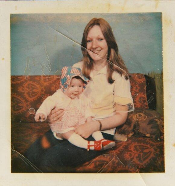"""Pagimdė 53 metų ir dėl to visai nesigaili <sup style=""""color: #ff0000;"""">(FOTO)</sup>"""