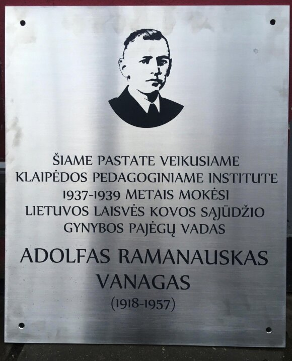 Atminimo lentelė A. Ramanauskui-Vanagui