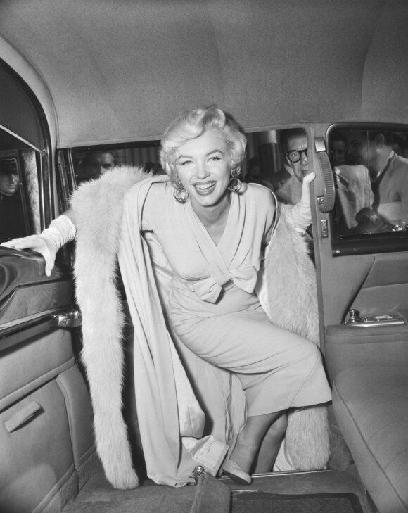 Įdomiausi aukštakulnių istorijos faktai: kodėl kurtizanėms su aukštakulniais reikėjo 6 liokajų ir kokį triuką naudojo Marilyn Monroe