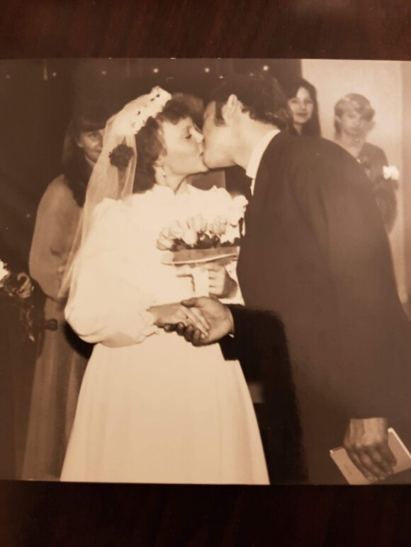 Meilė mus atvedė į santuoką.