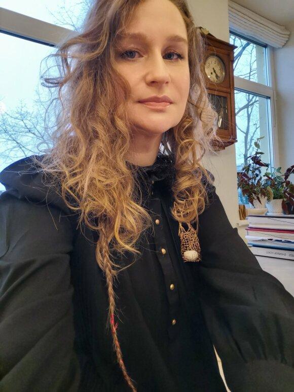 """Juvelyrė Eglė Čėjauskaitė-Gintalė """"Mano papuošalai turi savo auditoriją, tą tylią auditoriją, kuriai nereikia garsių šūksnių ar blizgančių daiktų."""""""