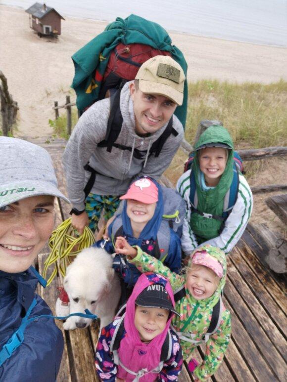 Viktoras ir Aušrinė kelionių neatsisakė net susilaukę keturių vaikų: vieni nustoja keliauti, o mums nutiko atvirkščiai