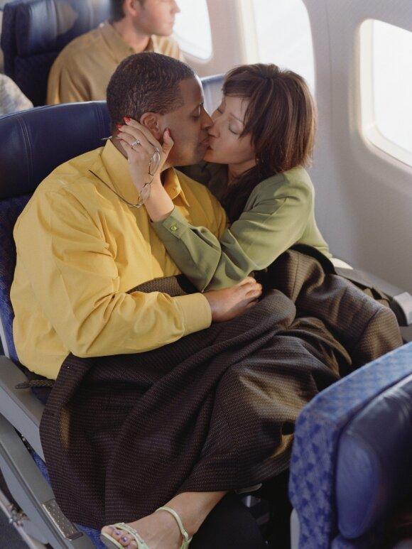 Pora lėktuve