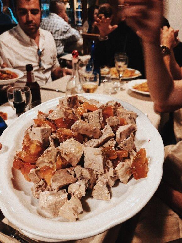 Italijoje lietuvius šokiravo patiekta vakarienė: iš mandagumo teko paragauti