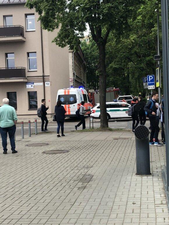 Vaikas pranešė apie bombą mokykloje, evakuoti moksleiviai