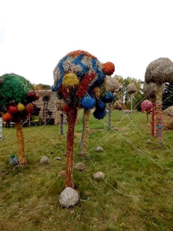 Šiaudinių skulptūrų parkas