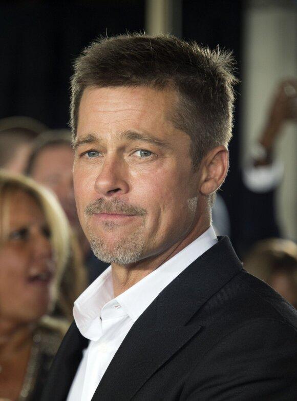 Angelina Jolie prasitarė, kas galėtų atgaivinti jos santuoką su Bradu Pittu